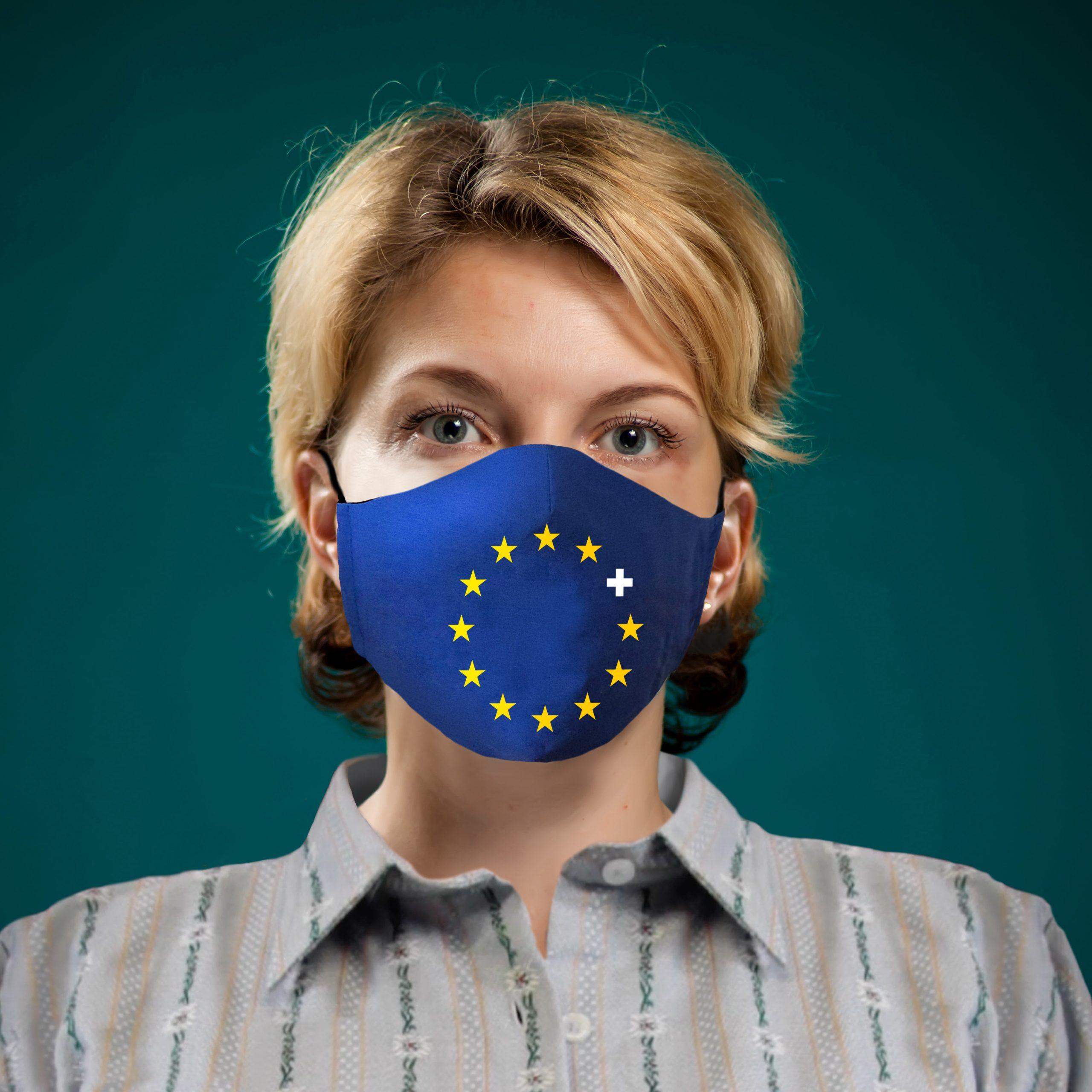 Frau mit Europa-Schutzmaske